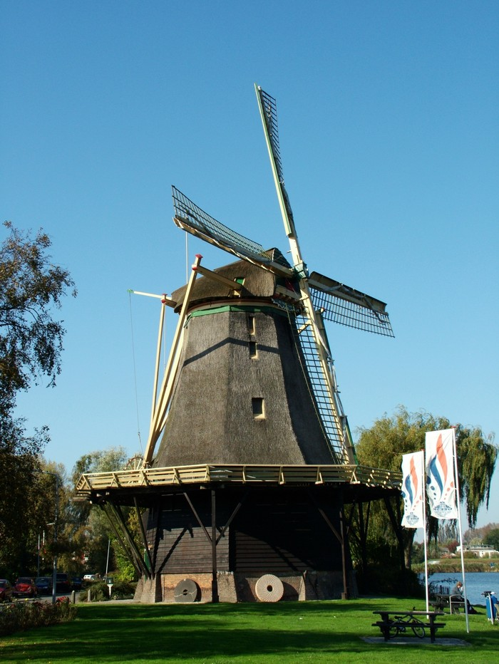 Windmills and Their History in Kinderdijk Village, the ...