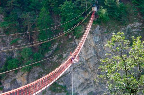 20-amazing-places-to-bungee-jump18
