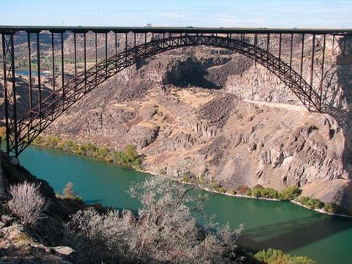 20-amazing-places-to-bungee-jump16