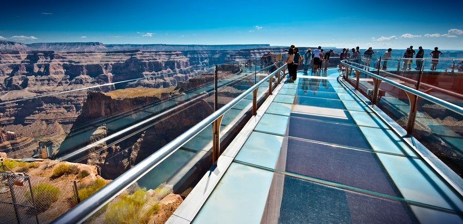 Grand Canyon Skywalk above oblivion
