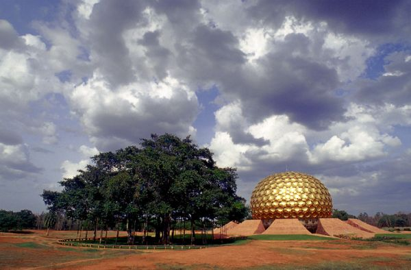 matrimandir_cloud