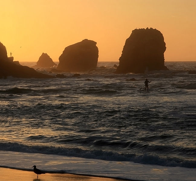 649px-Sunset_at_Rockaway_Beach_in_Pacifica