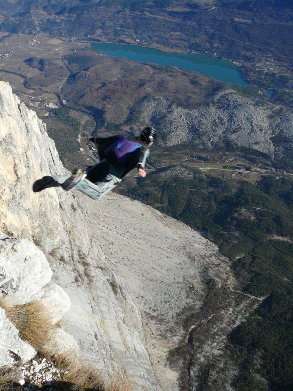 steph-wingsuit-BASE-brento