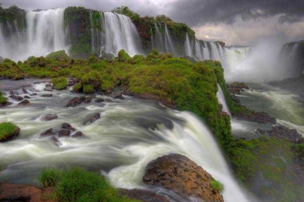 Iguazu-Falls2