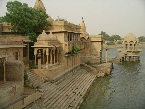 JaisalmerTemple-Lake