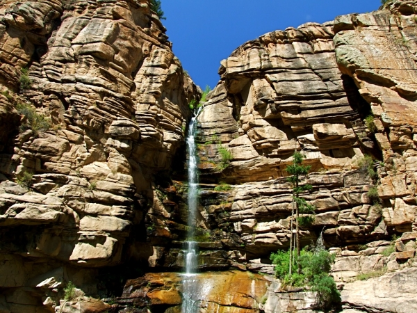 waterfall-within-the-black-canyon