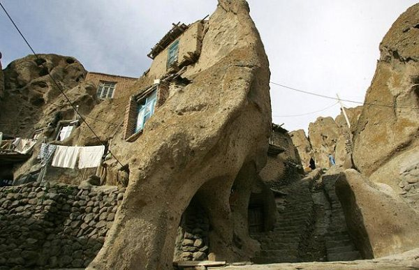cave-laleh