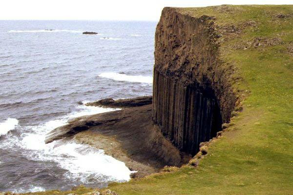 17_20_2---Fingals-Cave--Staffa--Scotland_web