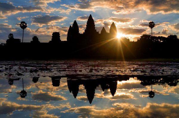 Angkor-Wat-at-sunrise-1
