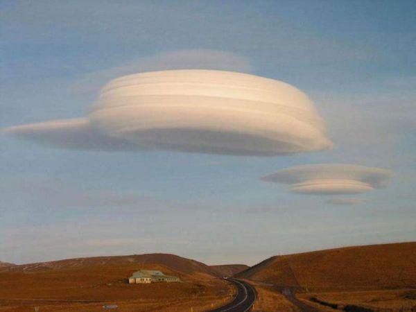 Lenticular clouds4jpg