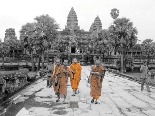 angkor_wat_Buddha-monks