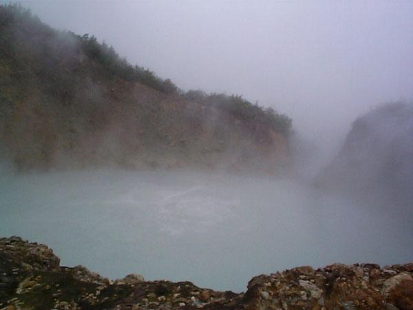 boiling-lake2