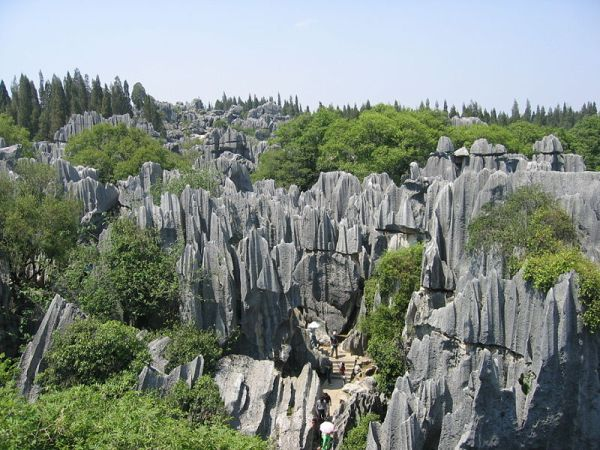 800px-Lunan_Stone_Forest_Kunming_Yunnan_1