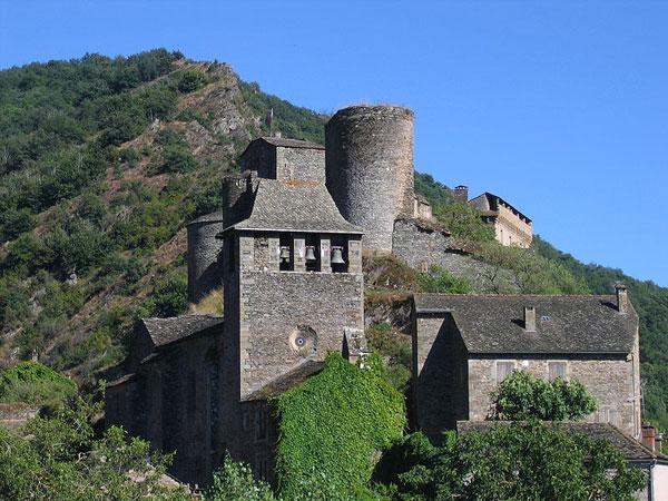 Brousse-Le_château_et_l'église