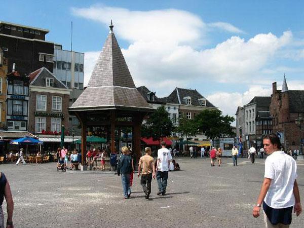 Market-Den_Bosch