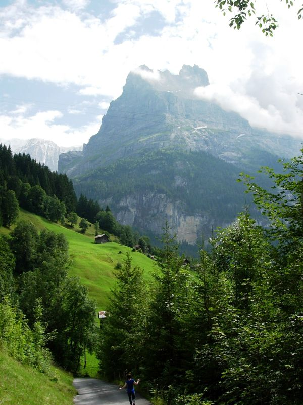Hiking from Gimmelwald to Shiltalp (3)