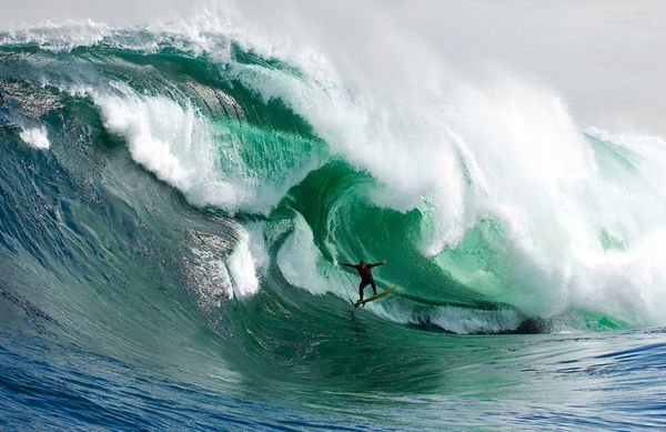 big-wave-surfing-sternship_27618_600x450
