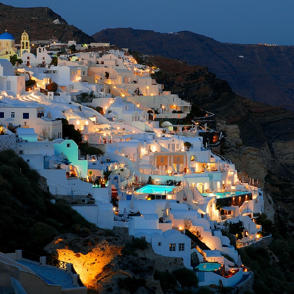oia santorini by night
