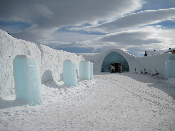 Icehotel_entrance