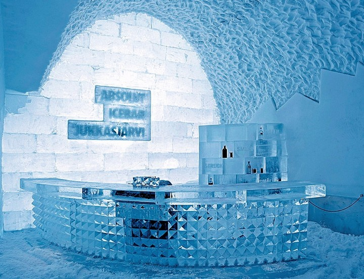 ice hotel sweden bar