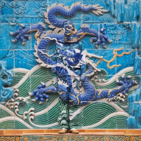 Chinese-artist-Liu-Bolin-03-610x610
