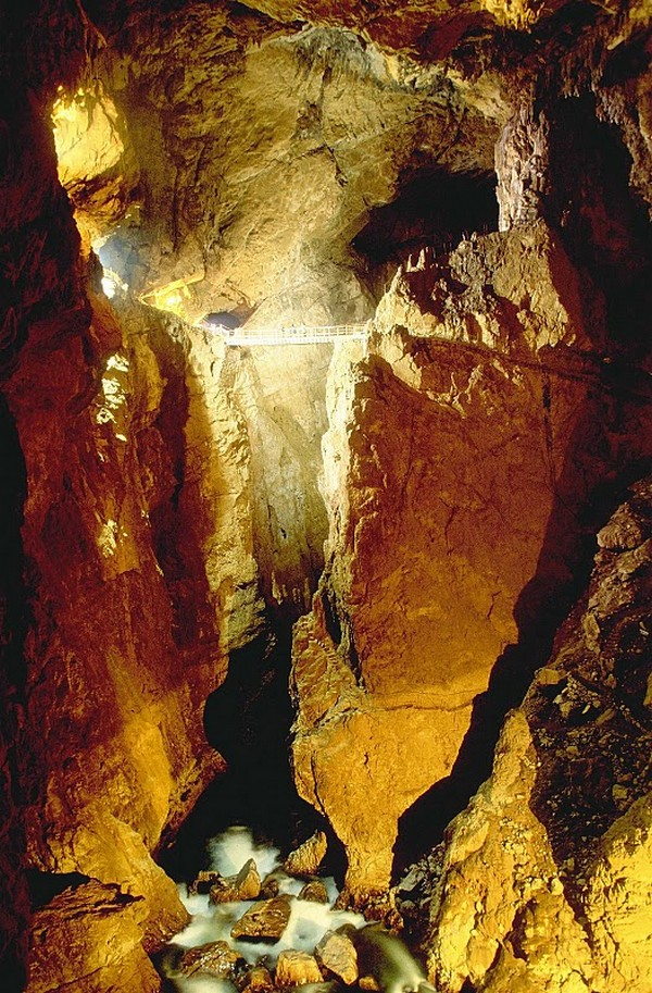 Skocjan-Cave-Bridge3