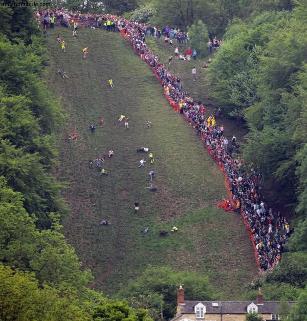 cheese-rolling 2