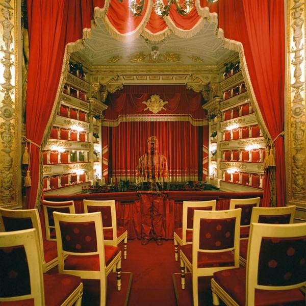 lavish-theatre_1766220i