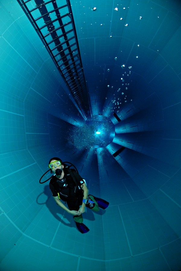Deepest Indoor Swimming Pool In The World Nemo 33