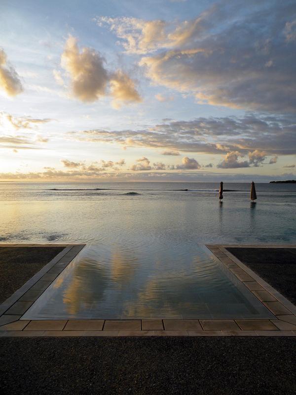 Infinity Pool Tourism on the Edge07