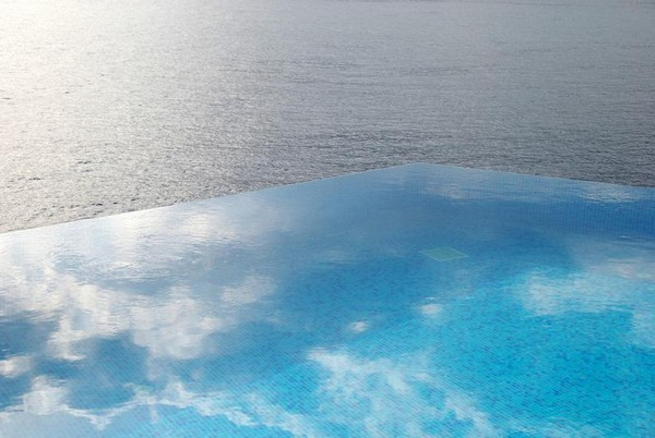 Infinity Pool Tourism on the Edge15