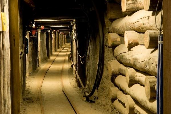 Salt_mine-Wieliczka_Salt_Mine-image-1