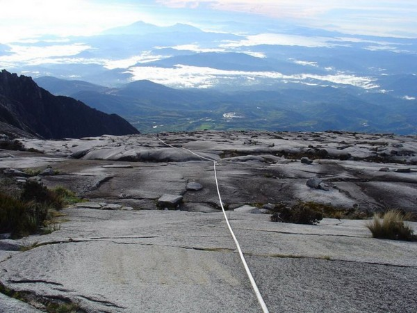 The_view_down_Mt_Kinabalu