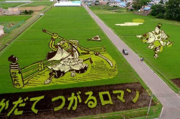 rice_art_2010_benkei-left-and-ushiwakamaru-right