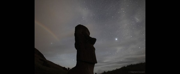Moonrainbow-over-Easter-Island