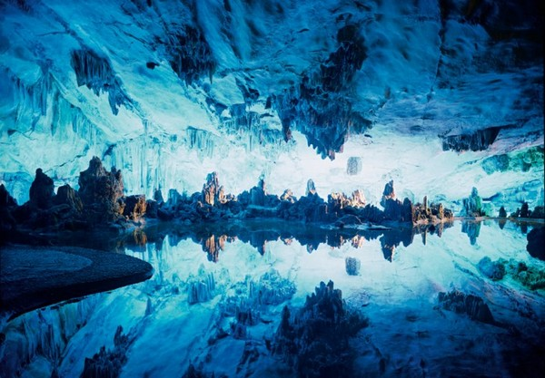 Reed_Flute_Cave_China_06-728x506