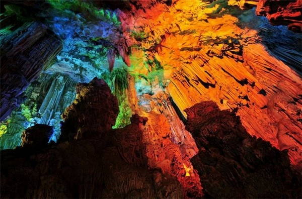Reed_Flute_Cave_China_07-728x480