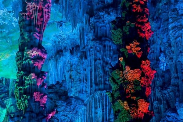 Reed_Flute_Cave_China_09-728x487