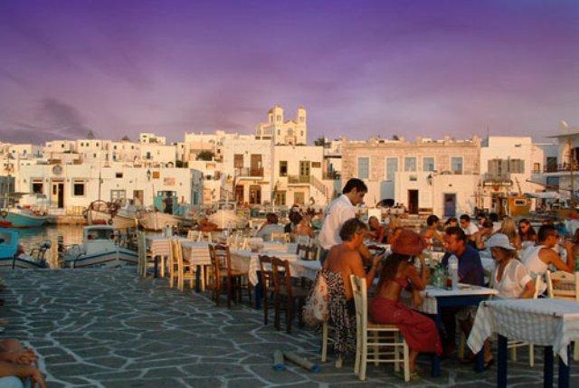 Paros_Naoussa_dinner_WS