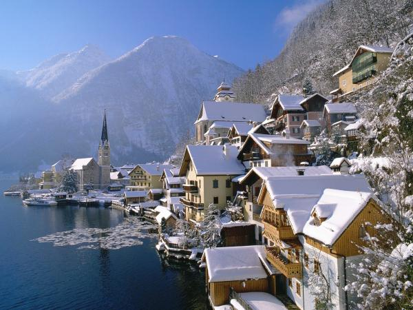 Hallstatt In Winter Austria