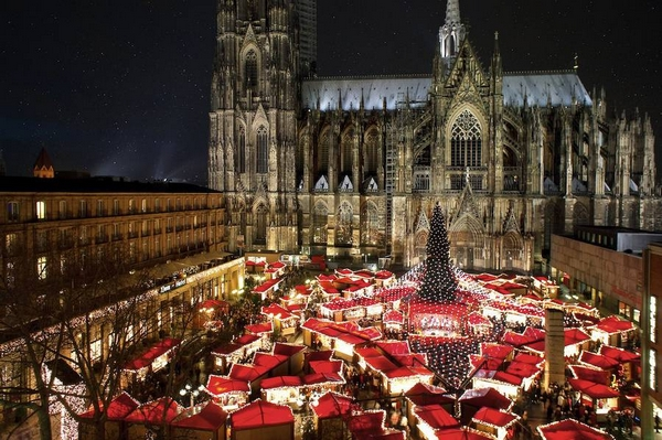 Christmas Traveling: 15 Of the Most Beautiful Christmas Markets in ...