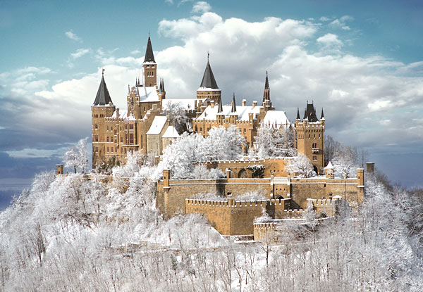 Hohenzoller-Castle clouds