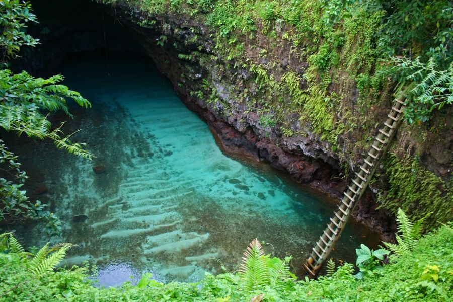 To_Sua_Ocean_Trench_-_Lotofaga_village_-_Samoa