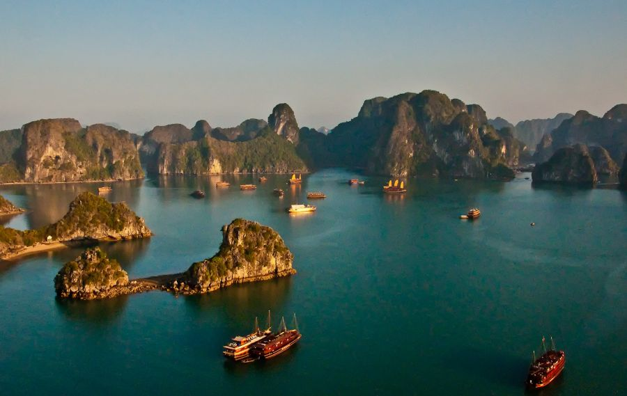 Halong_Bay_in_Vietnam1