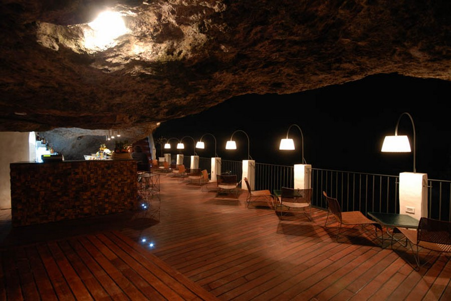 restaurant-inside-a-cave-cavern-itlay-grotta-palazzese-5