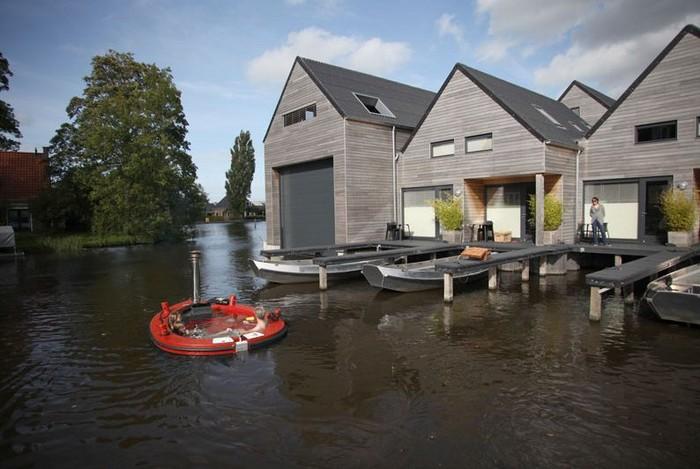 floating bathtub travel ideas Rotterdam
