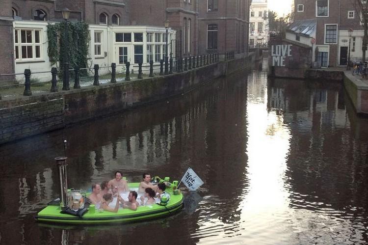 floating hot tug travel the Netherlands