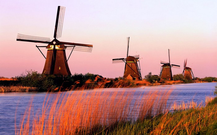 Windmills and Their History in Kinderdijk Village, the Netherlands ...