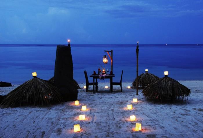 Hotel lombok dining beach