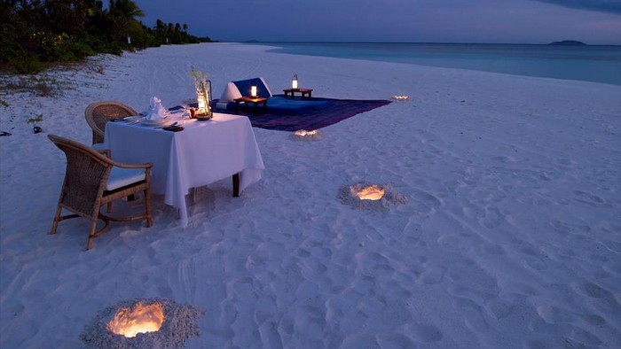 Romantic-Alfresco-Dining